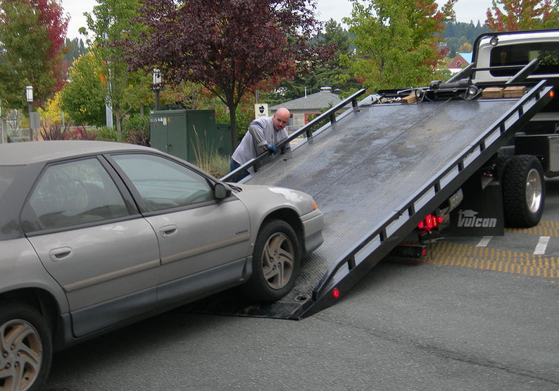 car towing anytime 24/7 with manteca towing pros